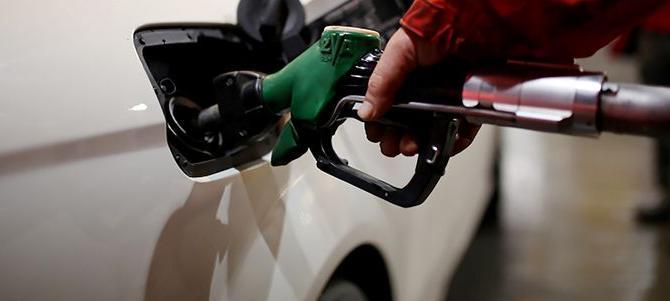 Benzinde 13 kuruş, motorinde 8 kuruş zam bekleniyor