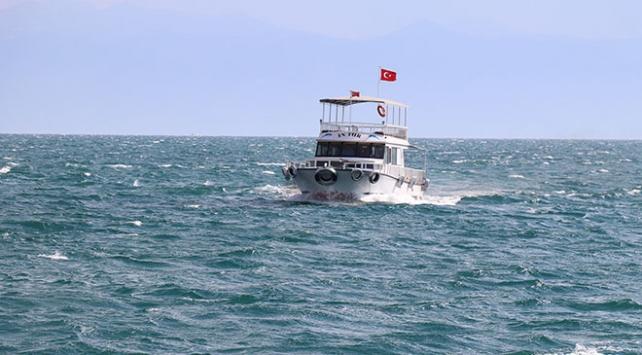 Tekne faciasında 32 kişi hayatını kaybetti