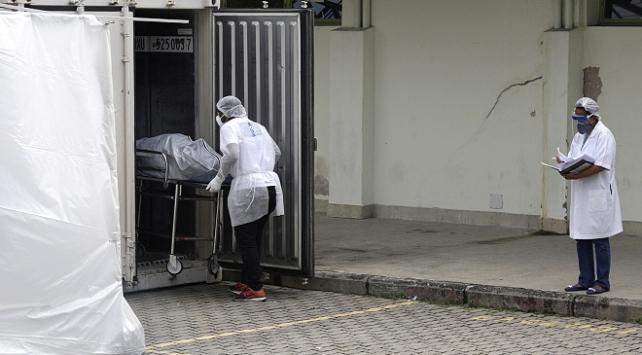 Brezilya ve Hindistan'da koronavirüs kaynaklı ölümler artıyor