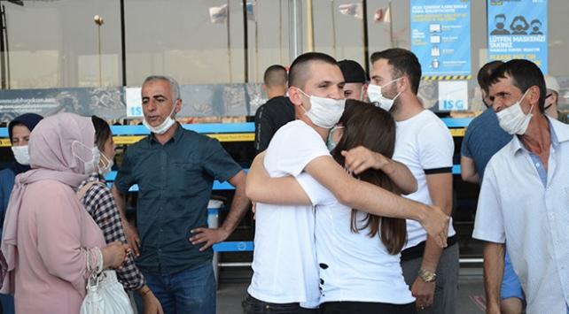 İstanbul Valisi Yerlikaya'dan asker uğurlaması uyarısı