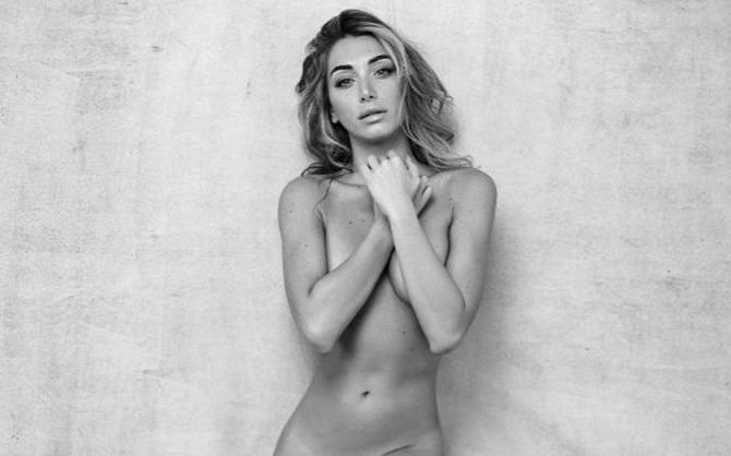 İtalyan modelElisa Panicis'ten Cesur Paylaşımlar