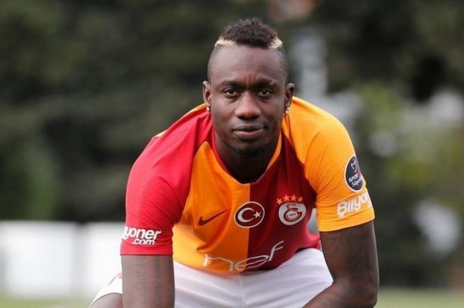 Galatasaraylı Diagne Senegal'de eğitim gördüğü ilkokulu yeniletti!