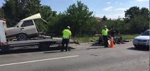 Ortadan ikiye bölündü, sürücü öldü 10 kişi de yaralandı